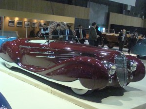 Photo d'un concept car au rétromobile 2012