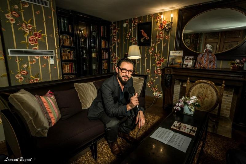 INTERVIEW DE MICHAEL R. ROSKAM