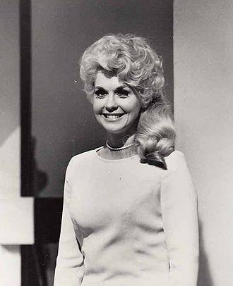 Donna_Douglas_1967