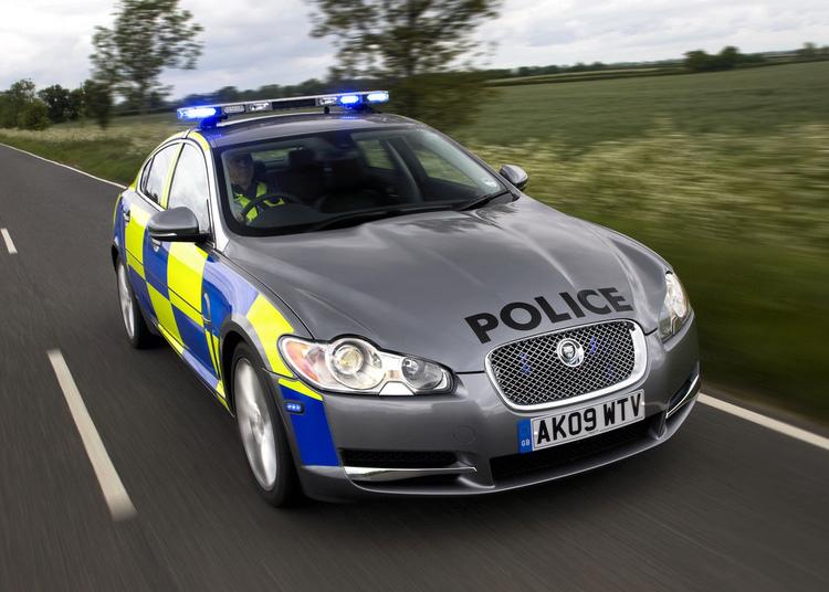 les-voitures-de-police-dans-le-monde