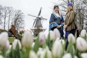 LiSSE - Opening Keukenhof 2016 met Jacoba van Beijeren, Meisje met de Parel, Directeur Bart Siemerink en levend standbeeld de Schipper - FOTO LAURENS LINDHOUT